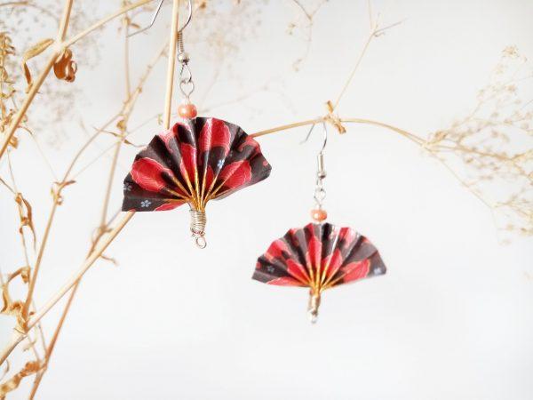 Boucles d'oreilles DIY Origami Eventails gris rouges